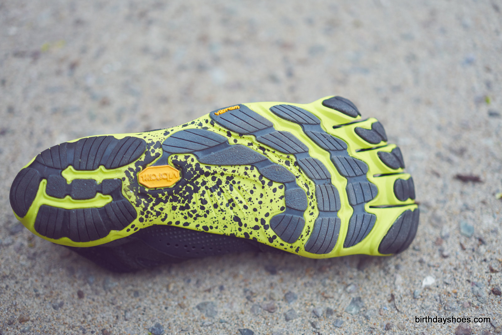 The new V-Run update to the Bikila EVO sole with Mont and XS RUN rubber and VI-LITE hybrid rubber and foam