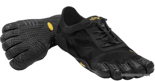 This is the men's KSO EVO FiveFingers in black, which if you'll recall was the most popular KSO color of all time for men.