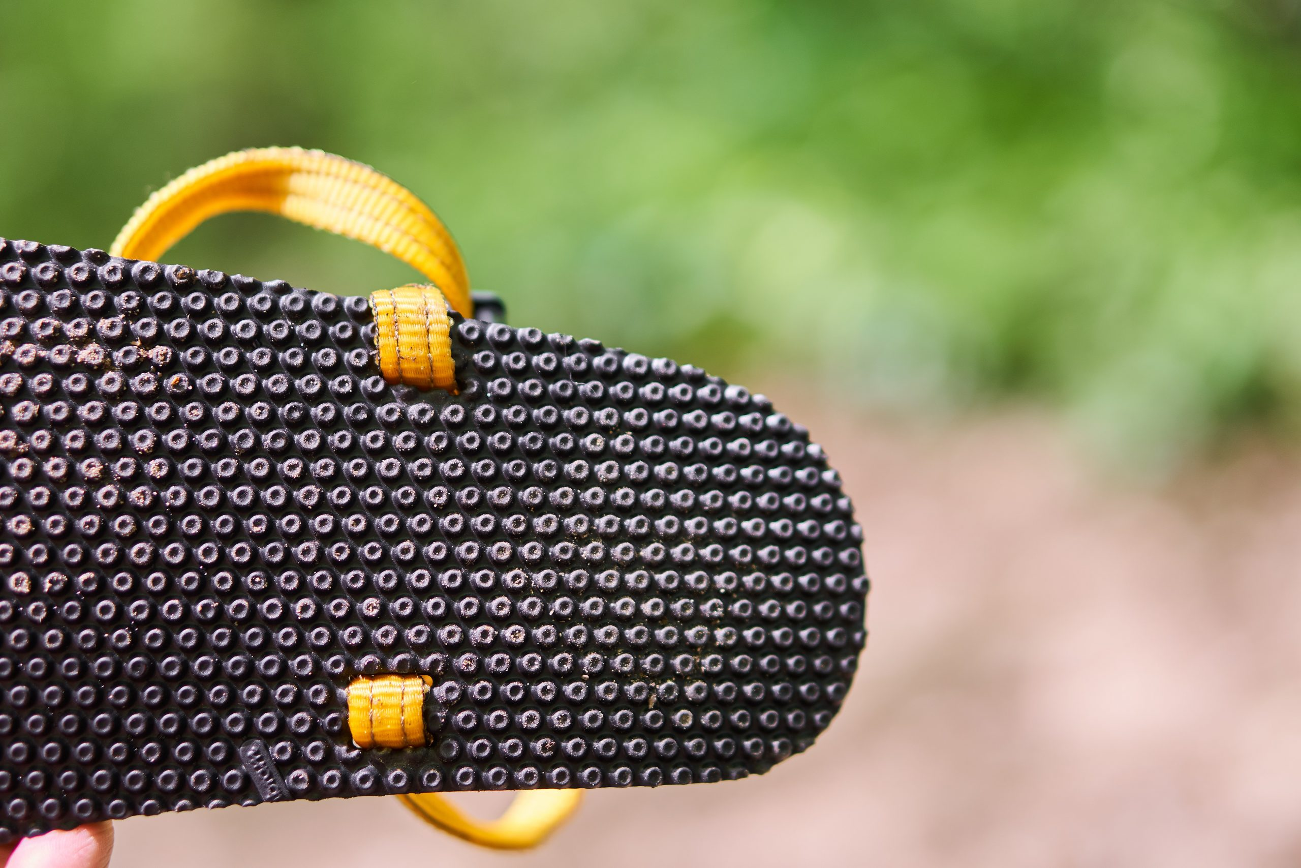The Elemental features durable nylon webbing and a very customizable lacing system