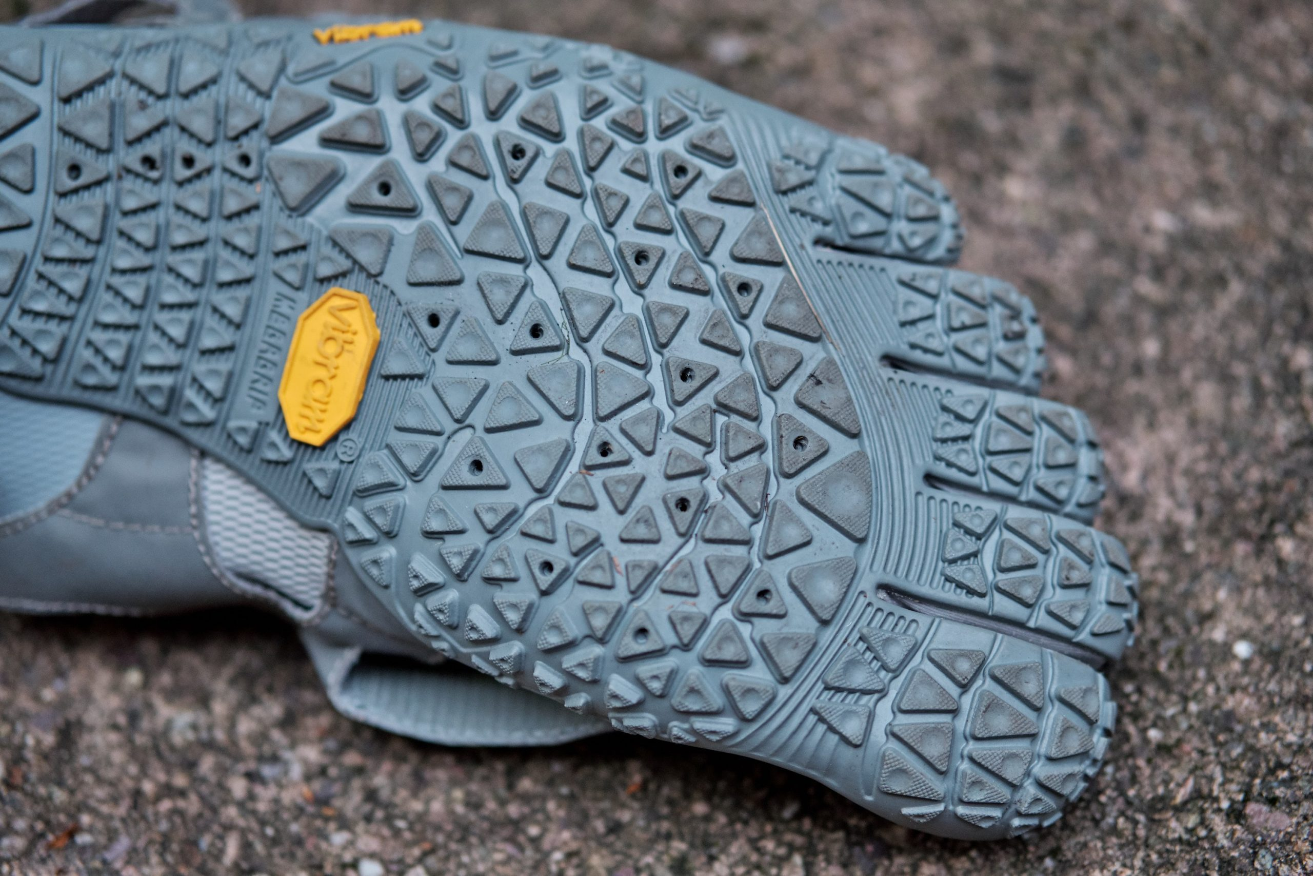 The same excellent sole from the V-Alpha comes to the V-Aqua with fantastic groundfeel and flexibility
