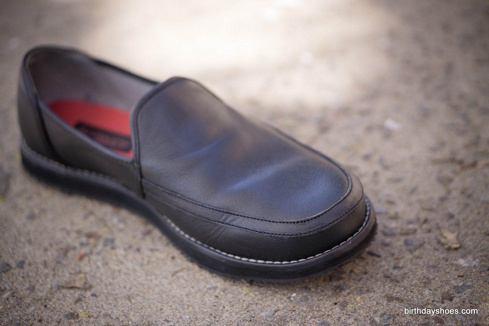 Excellent leather quality, craftsmanship, and stitching