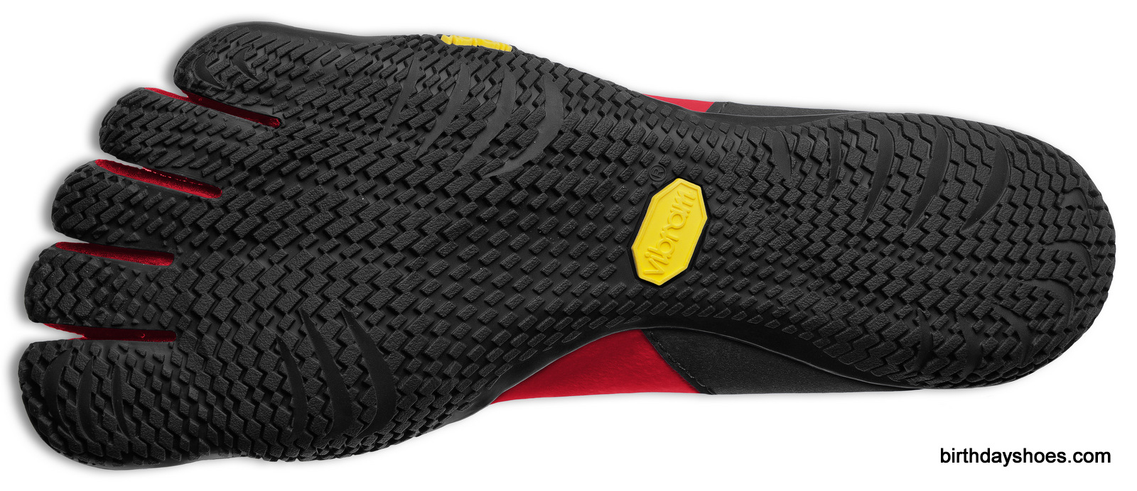 The Vibram KSO EVO features the same super-minimalist sole as the Vibram FiveFingers EL-X.