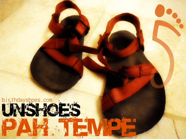 The Unshoes Pah Tempe is a minimalist sandal that utilizes a unique webbing design to secure the ultra thin Vibram rubber sole to your foot.